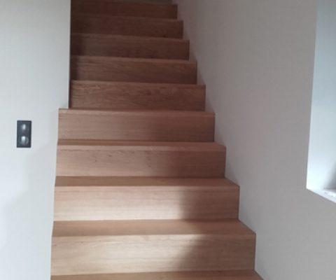 Agencement : escalier sur mesure – Aigrefeuille (44)